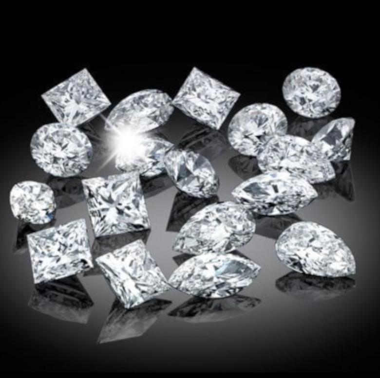 diamanti-fantasia_comprooroatorino-acquisto-gioielli-prezzo-immediato-Analisi-Gemmologiche